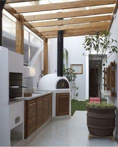 Luxus Outdoor-Küche Dekorieren Ideen # Luxury Kitchen Designs - - Source by outdoo Outdoor Cooking Area, Outdoor Spaces, Outdoor Living, Luxury Kitchen Design, Outdoor Kitchen Design, Kitchen Designs, Outdoor Kitchens, Kitchen Layouts, Luxury Kitchens
