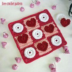 crochet pattern for board games | Free Crochet Pattern - Cupid's Tic Tac Toe