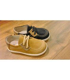 Pedir Zapatos de niño Dardos en afelpado | Gran selección de calzado infantil para niño y niña en Mi Gatito Pepo http://www.migatitopepo.es/4-zapatos-nina http://www.migatitopepo.es/3-calzado-nino #calzadoinfantil #zapatosniña