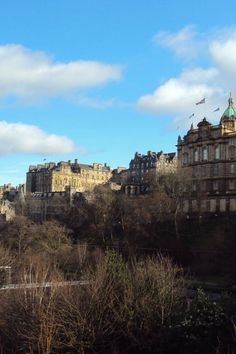 Image galleries and information about my visited World Heritage Sites. - Details for the World Heritage Site 'Old and New Towns of Edinburgh' in Edinburgh, Scotland Medieval Fortress, Edinburgh Scotland, Urban Planning, 15th Century, World Heritage Sites, Great Britain, Old Town, Old And New, City