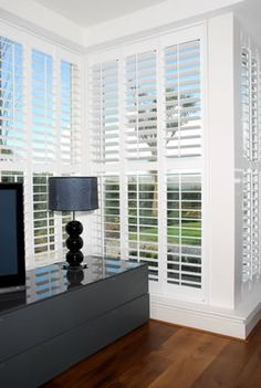 Interior Shutters For Sale Info: 5970238065 Patio Windows, House Windows, Interior Shutters, Interior Windows, Window Treatments Living Room, Living Room Windows, Interior Definition, Window Styles, Home Interior Design