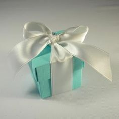 Scatolina portaconfetti Tiffany con nastro bianco