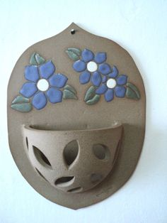 Pottery Houses, Slab Pottery, Ceramic Pottery, Ceramic Pots, Ceramic Flowers, Ceramic Clay, Ceramics Projects, Clay Projects, Clay Crafts