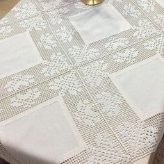 This Pin was discovered by Ter Crochet Stitches Patterns, Thread Crochet, Filet Crochet, Stitch Patterns, Crochet Tablecloth, Crochet Doilies, Crafts With Pictures, Viking Tattoo Design, Crochet Magazine