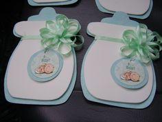 Invitacion de baby shower de biberon con goma eva