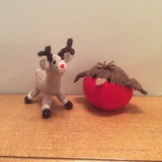 Christmas Tree, Reindeer and Elf Knitting pattern by Knitables Knitted Throw Patterns, Christmas Knitting Patterns, Knitting Patterns Free, Cable Knit Blankets, Knitted Blankets, How To Start Knitting, Double Knitting, Festival Decorations, Christmas Tree Decorations