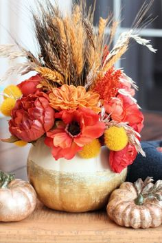 Create a show-stopping Gold Glitter Pumpkin Vase centerpiece that will dress up your Thanksgiving table and inspire guests to linger longer. #decoart #fall #diy #craft #gigglesgalore #gigglesgalorecreates #gigglesgaloreentertains #holidaycraft #thanksgiving Thanksgiving Crafts, Fall Crafts, Holiday Crafts, Diy Crafts, Thanksgiving Table, Elegant Centerpieces, Pumpkin Centerpieces, Vase Centerpieces, Christmas Service