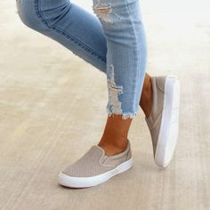 36c2aa34c2489 A Quick Guide To Choosing A New Pair Of Sneakers – Sneakers City. Are you  searching for ...