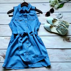 "Paper Crane. Chambray Shirt Dress. M. Snap front. Paper Crane  Chambray Shirt Dress  Pearl snap front. Tie waist. Bust: 18"" Waist: 14 1/2"" Length: 33"" Like new. Spring Perfect Paper Crane Dresses Mini"