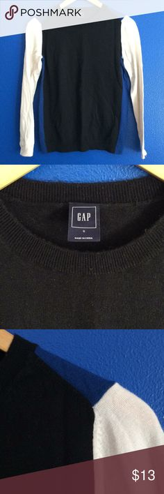 Gap sweater creme blue black color block small Gap brand. 3 color long sleeve sweater. Cobalt blue along sides and peeks out at shoulder, black bodice and off white long sleeves. Very soft. Crew neck. Great for work or relaxing at home. Slim fit. Very comfortable and soft. Cute with jeans and boots. Great with a chunky necklace. Bundle with other items in my closet to save 20% GAP Sweaters Crew & Scoop Necks