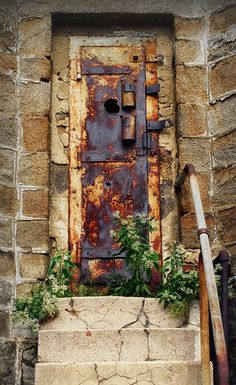even this rusty, old door has beauty!