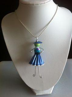 pendentif demoiselle bleue en capsules Nespresso recyclées : Pendentif par recyclart