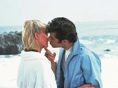 Pin for Later: The Best Movie Kisses of All Time Grease This is exactly what Danny (John Travolta) and Sandy (Olivia Newton-John) meant by Summer lovin'. Grease 1978, Grease Movie, Grease 2016, Grease Party, Danny Zuko, John Travolta, Iconic Movies, Old Movies, Vintage Movies