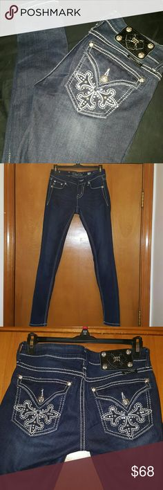 Miss Me skiiny jeans 25 New without tags. Miss Me dark wash skinny jeans 25. They habe a lot of stretch. White stitching. Bought and tried on never worn. Selling only unless trade for an ISO. Miss Me Jeans Skinny