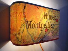 Applique murale réalisée avec des anciennes cartes de géographie région Midi Méditerranée Montpellier Nîmes.Il existe plusieurs régions et pays. Vo...