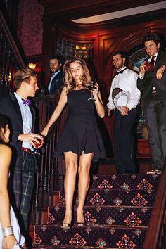 Estilo Ivy, Mode Bcbg, Private School Girl, Super Rich Kids, Ivy League Style, Classy Girl, Old Money, Rich Girl, Preppy Style