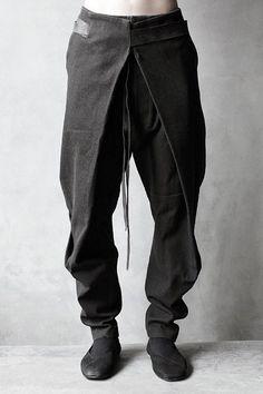 Advice On Buying Fashionable Stylish Clothes – Clothing Looks Guy Fashion, Dark Fashion, Mens Fashion, Fashion Design, Samurai Fashion, Nomad Fashion, Fashion Photo, Fashion Ideas, Mode Sombre