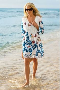 Every beach vacation requires a beautiful cover-up for your beach days and relaxing by the pool. We love this colorful pull-over dress. Perfect for Sanibel Island, Florida. for women over 50 fashion over 50 Fashion Tips for Women Over 50 Over 50 Womens Fashion, Fashion Over 40, 50 Fashion, Fashion Tips For Women, Look Fashion, Plus Size Fashion, Fashion Trends, Fashion 2018, Beach Fashion