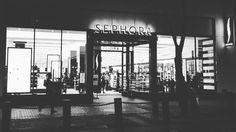 I find myself at home in any @Sephora & #SephoraPowell is no exception! Wait are you surprised I dropped some money tho?  #duh . . So grateful to be hand picked to train for #SUBeautyClass. I learned (& explored!) so much on my visit to San Fran. Thank you @joneof2 & #SephoraUniversity for the opportunity…