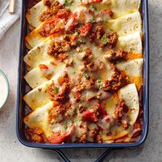 Fold over tortilla fake Here's something a little different from the usual tacos—and it's special enough for potlucks or dinner guests. —Deborah Smith, DeWitt, Taste of Home Recipes People Are Loving on … Casserole Recipes, Meat Recipes, Mexican Food Recipes, Cooking Recipes, Tortilla Casserole, Recipies, Pork Casserole, Tortilla Recipes, Vitamix Recipes
