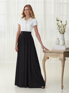 lovely classical look . also a site with clothes for orchestra concerts, etc. Choir Dresses, Concert Dresses, Modest Dresses, Modest Outfits, Modest Fashion, Cute Outfits, Modest Clothing, Maxi Outfits, Cute Skirts