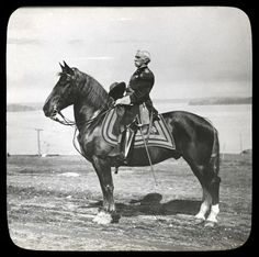 Joshua Chamberlain, the Union hero of Little Round Top, in later years, taken by the seashore in Portland, Maine American Civil War, American History, Joshua Chamberlain, Civil War Books, War Horses, Horse Horse, War Dogs, Vintage Horse, Civil War Photos