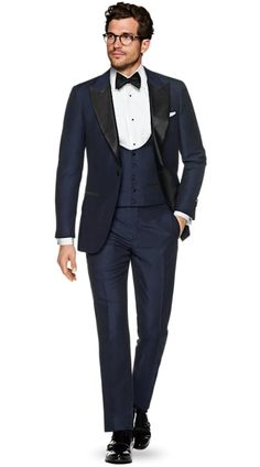 Suitsupply Suits: Soft-shoulders, great construction with a slim fit—our tailored, washed and formal suits are ideal for any situation. Formal Suits, Men Formal, Formal Outfits For Men, Formal Wear, Black Tie Attire, Navy Tuxedos, Slim Fit Jackets, White Suits, Wedding Suits