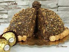 La Torta Ferrero Rocher è una riproduzione del famosissimo cioccolatino, sia nella forma che nel sapore... un dolce fresco, senza cottura e golosissimo!