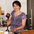 Prajitura Deliciu cu caramel atat in foi cat si in crema - Rețete Merișor Dr Post, Romanian Desserts, Recipies, Deserts, Food And Drink, Cooking, Creme Caramel, Mai, Crockpot