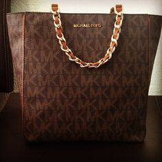 Michael Kors Store : Hobo - Satchels Totes Wallets Value Spree Crossbody Bags Drawstring Bags Shoulder Bags Accessories Clutches Hobo New Michael Kors handbags,Michael Kors bags,cheap Michael Kors bags,Michael Kors handbags on sale Mk Handbags, Handbags Michael Kors, Michael Kors Bag, Cheap Handbags, Designer Handbags, Cheap Michael Kors, Michael Kors Outlet, Handbag Stores, Mk Bags