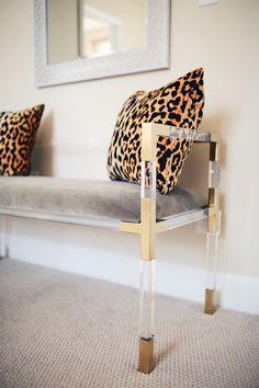 32 Exceptional Home Accents İdeas - Room Dekor 2020 Decor, Furniture, Home Decor Inspiration, Home Accessories, Interior, Home Decor, Printed Cushions, Apartment Decor, Interior Design