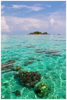 Super clear water of Koh Lipe, Thailand