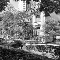 #arquitetura #architecture #predio #building  #pb #fotopretoebranco #bw #blackandwhitephoto #blackandwhitechallenge #desafiopretoebranco #bw_lover