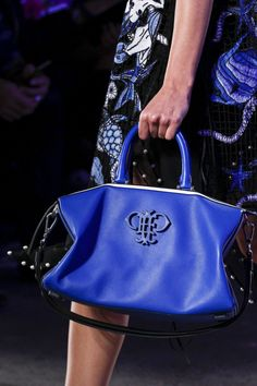 Emilio Pucci Spring 2016 Ready-to-Wear Accessories Photos - Vogue Emilio Pucci, Spring Fashion, Fashion Show, Chanel Tote, Spring Summer 2016, Fashion Details, Ready To Wear, Vogue, Footwear