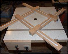 Frame for making wooden saucers - Digital PDF plan, Router table jig, Frame for making wooden plates, Frame for making square wooden saucers Beginner Woodworking Projects, Learn Woodworking, Woodworking Plans, Woodworking Basics, Popular Woodworking, Woodworking Furniture, Diy Furniture, Hand Router, Router Jig
