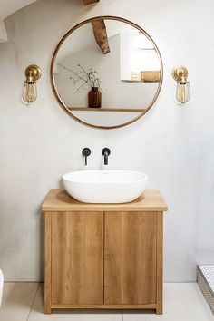 Small House Interior Design, Interior Design Studio, Bathroom Interior Design, Interior Design Inspiration, Bathroom Inspiration, Bathroom Ideas, Minimalist Bathroom Design, Minimalist Interior, Modern Vintage Bathroom