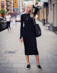Knit Dress Street Style Outfits Ideas 33 Do you want new dress for fall and winter seasons? Because the weather becomes cold. Knit dress is hottest trend spotted everywhere in fall season.Knitted and crochet A-line sweater dress let you … Street Style Trends, Street Style Outfits, Street Styles, Black Dress Outfits, Sweater Dress Outfit, Knit Dress, Black Sweater Dress, Black Midi Dress Outfit, Womens Fashion