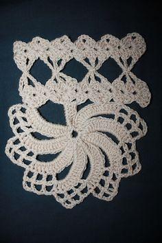 Ravelry: Prim Wheel Lace pattern by A.M.