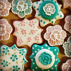 images of julia usher decorated cookies | Pretty Floral Cookies | Cookie Connection Más