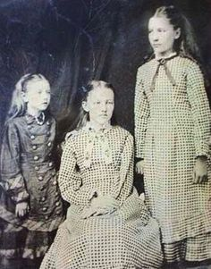 Carrie, Mary + Laura Ingalls