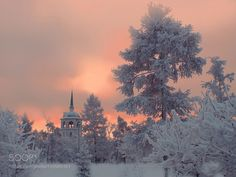 Frozen city by annalmenshikova #nature #mothernature #travel #traveling #vacation #visiting #trip #holiday #tourism #tourist #photooftheday #amazing #picoftheday