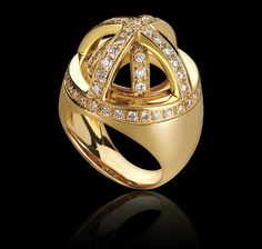 diamonds and yellow gold ring Orrery Collections Garrard