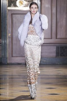 Sophie Theallet Fall 2016 Ready-to-Wear Collection - Vogue Runway Fashion, High Fashion, Fashion Show, Fashion Outfits, Fashion Weeks, Sophie Theallet, Couture Dresses, Fall 2016, Catwalk