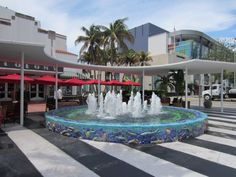 Lincoln Road Mall: Miami Beach, Florida My sister Jenie's old stomping ground!