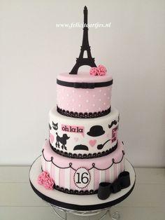 Resultado de imagen para tortas para 15 años con inicial