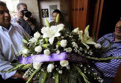 Shakira Envía Coroa de Flores à Gabriel García Marques. Saiba mais aqui: http://evpo.st/1lp4FJr
