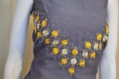 Embroidery On Kurtis, Kurti Embroidery Design, Embroidery Neck Designs, Hand Embroidery Flowers, Hand Work Embroidery, Embroidery Suits, Hand Embroidery Stitches, Embroidery Fashion, Silk Ribbon Embroidery