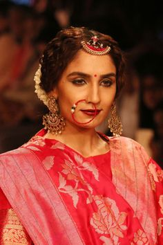 LFW winter-festive 2015: The magic of Indian Handloom and Textiles