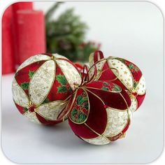 Twos Company Glass Peppermint Twist Ornament Place Card Holders Set of 6