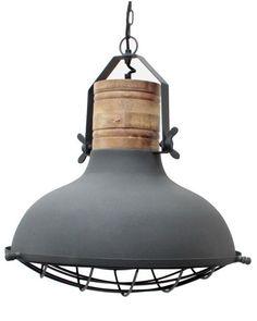 <p>Industriele hanglamp betongrijs. Wat een plaatje, deze stoere industriele hanglamp. Een vintage lamp in een betongrijs jasje gestoken, afgewerkt met stoer metaal en prachtig oud hout. Deze lamp ademt industrie en geeft uw woning een stoer en industrieel tintje. Door zijn neutrale grijze kleur is hij heel makkelijk de combineren. Daarom past hij eigenlijk in iedere kamer! Let op de gave details, zoals het gave rek onder de lamp en vleugelmoeren als draaiknoppen. Door zijn diameter van…